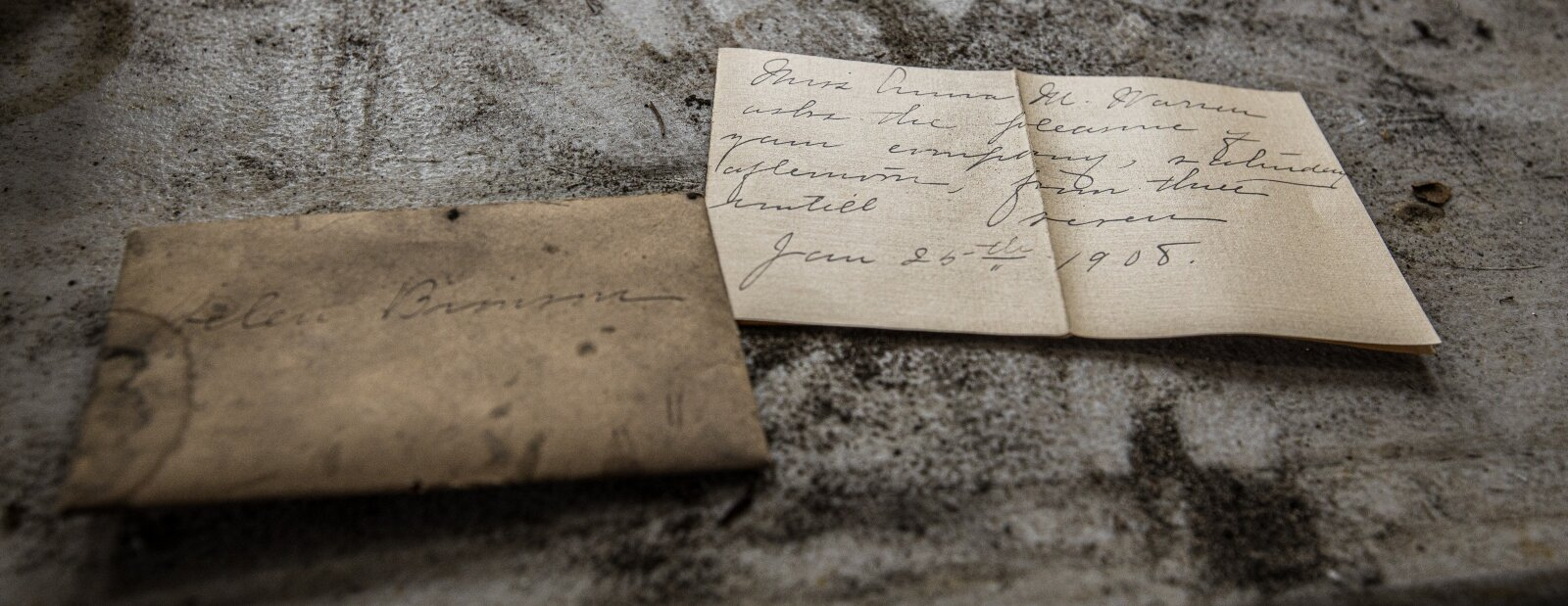 The Frosts found a handwritten note from 1908 hidden under a knot in the floorboard of the 620 N. Grant St. home.