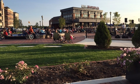 Stores, restaurants, businesses and weekly concerts in the summer earned Uptown Bay City top honors in a recent competition.