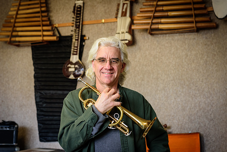 Ken Kozora of Horns for the Holidays at Oz's Music