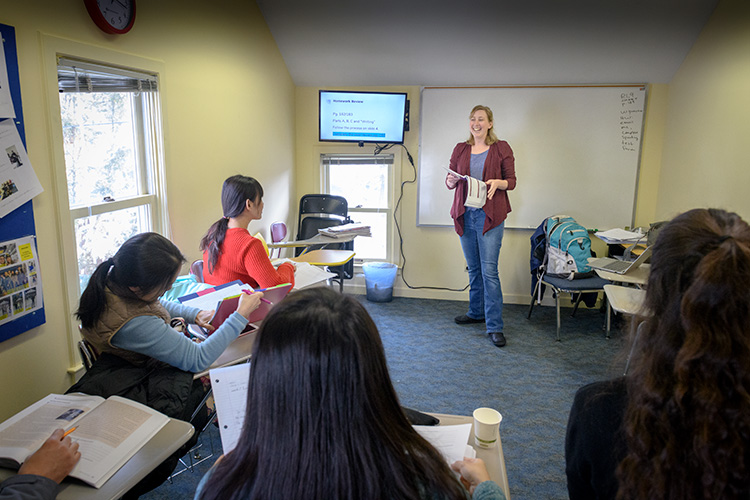 Carla Thisse teaching a class at the Michigan Language Center