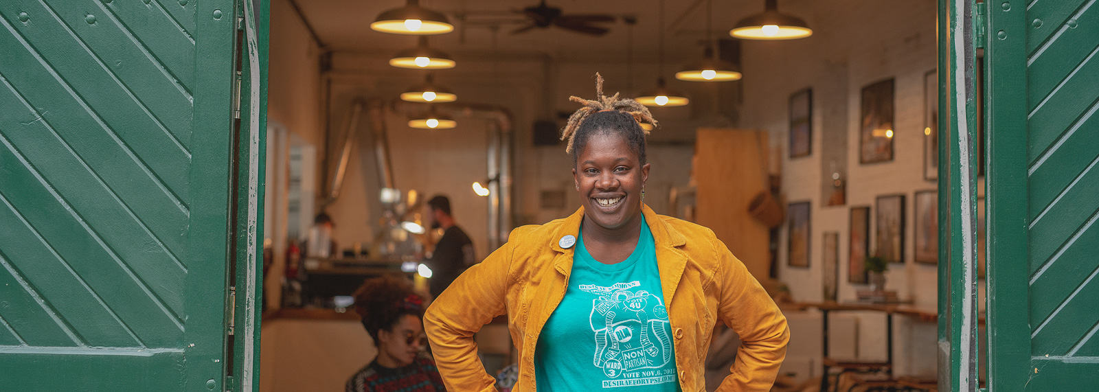 Desirae Simmons at Hyperion Coffee <span class='image-credits'>Doug Coombe</span>