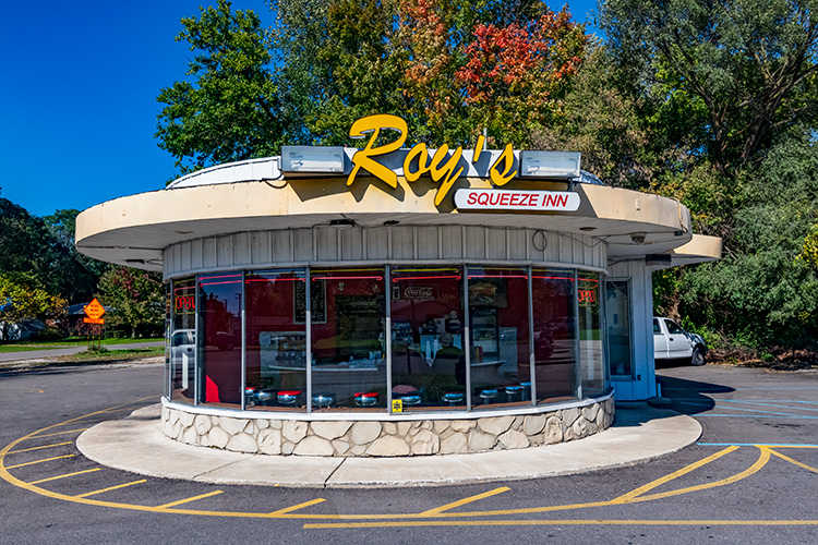 Roy's Squeeze Inn