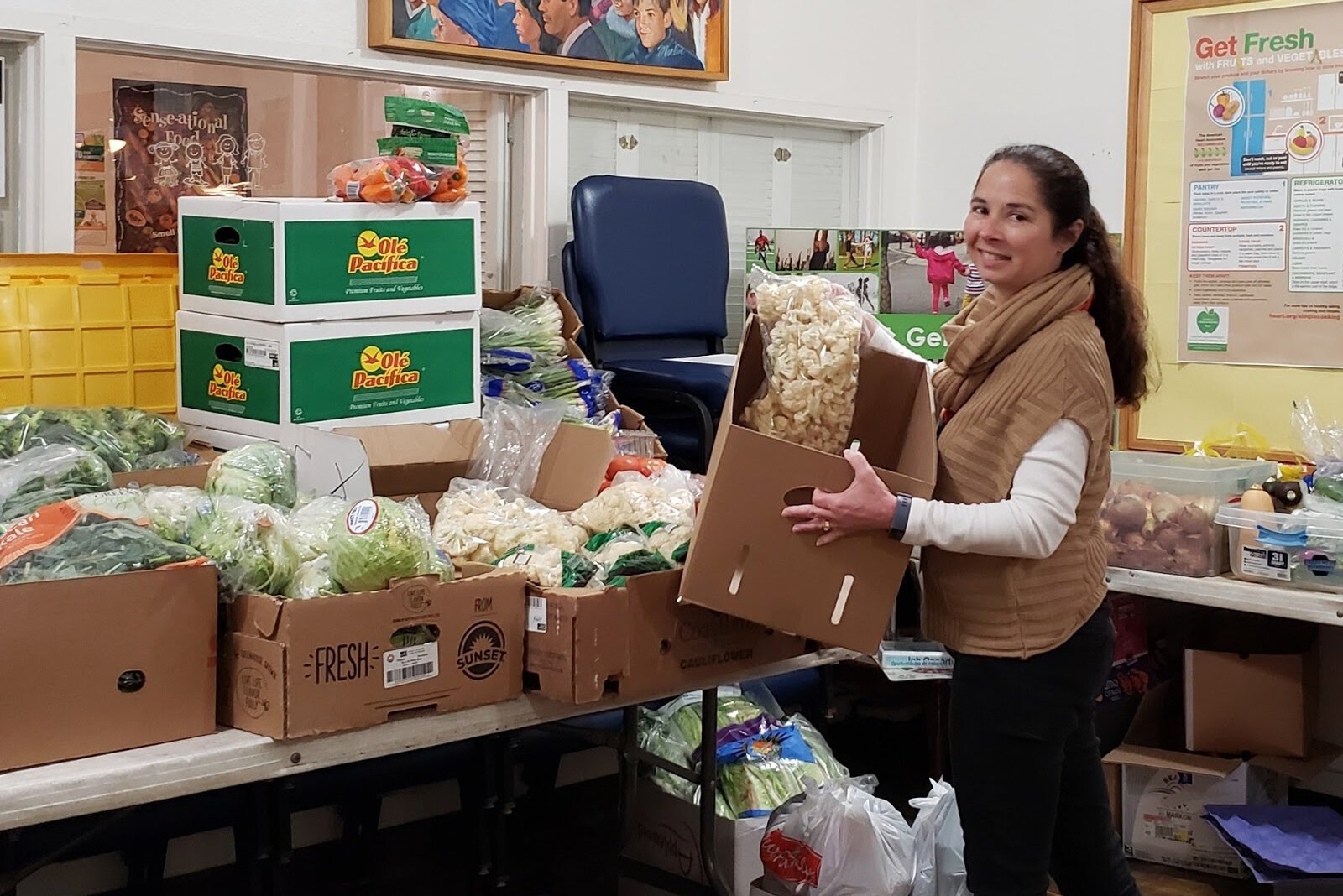 SR2H member Lisa Lewis is based out of Wyoming, Michigan, with United Church Outreach Ministry (UCOM), where she's been leading virtual Health Through Literacy programming and assists with distributing fresh produce in the community.