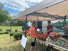 waukazoo-market-photo