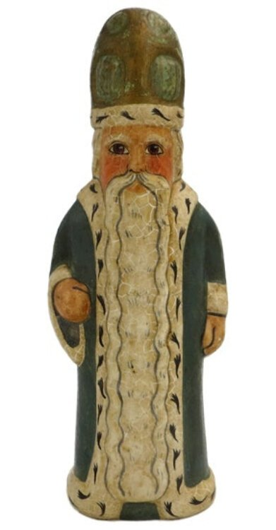 I Love the long beard on this chalkware piece from Vaillancourt Folk Art.