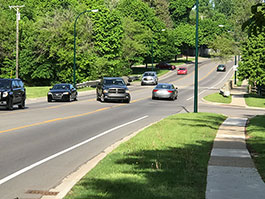 265-Maple-westbound-three-lanes-in-use.jpg