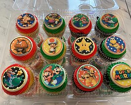 Super Mario Bro's. Cupcake by Enjoya Sweets