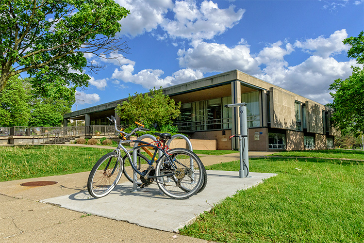 Bike repair at the Pontiac Library, Photo by Doug Coombe,