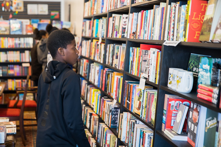 Students from River Rouge and Western International high schools visit pages bookshop in northwest D