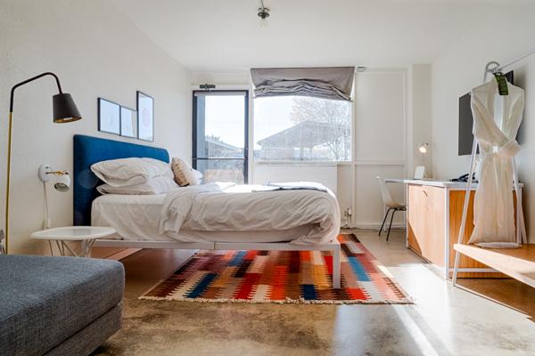 a bedroom at trumbull u0026amp porter hotel