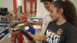 Students participate in a MADE automation class.