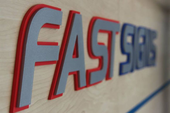 Fast Signs moves to new, bigger location