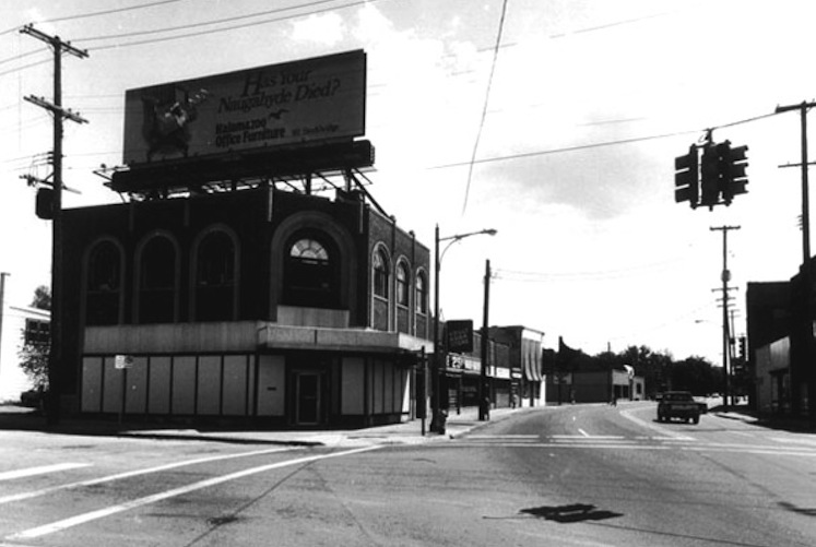 1301 Portage Street as it appeared in 1990.