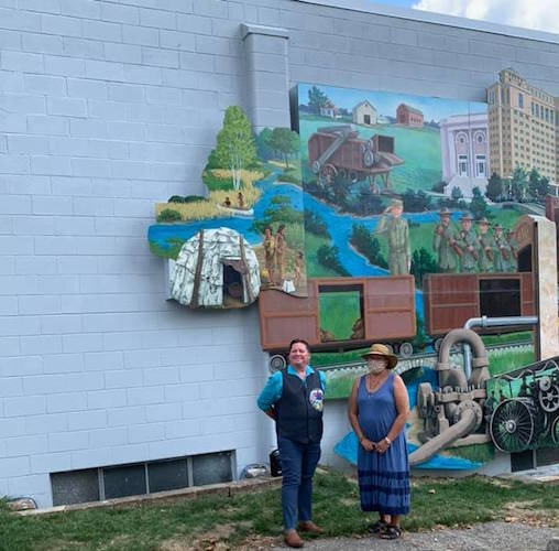 In August, the Battle Creek Regional History Museum unveiled an addition to their mural depicting the history of the City of Battle Creek to include Native Americans and their way of life, as the Anishnabék, the first people.