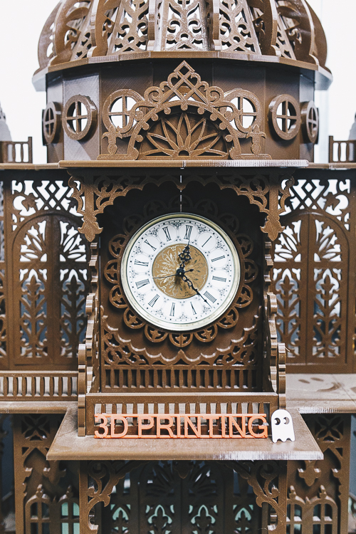 Jason Pruess constructed a large grandfather clock with a 3D printer. He used a woodcarving pattern to 3D print the clock.