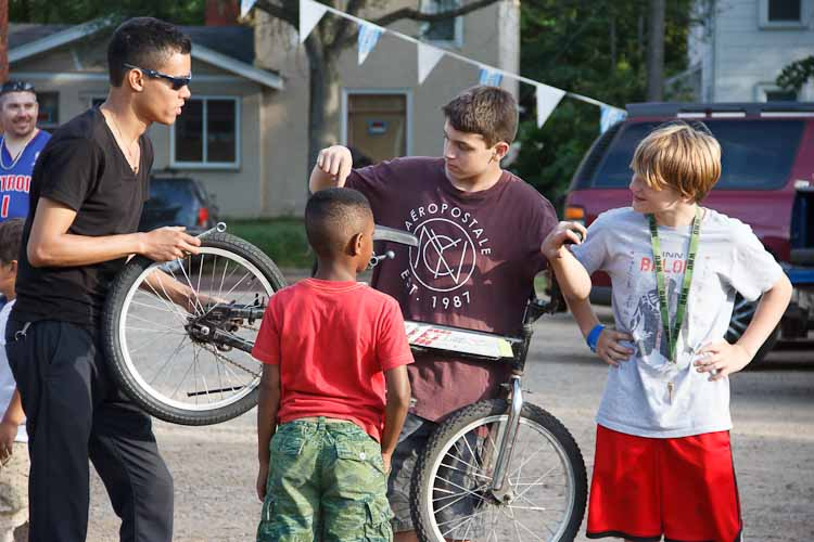 Luis Morales of Open Roads works with youngsters