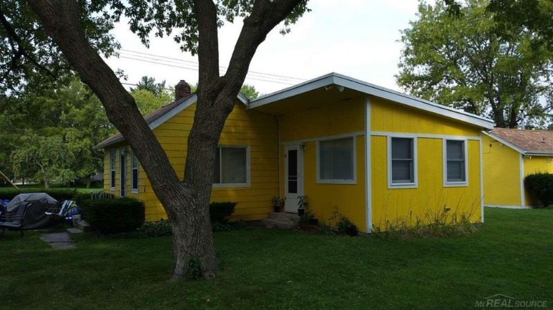 Fine Port Huron Real Estate Watch 5 Homes And A Dock For Under Home Interior And Landscaping Spoatsignezvosmurscom