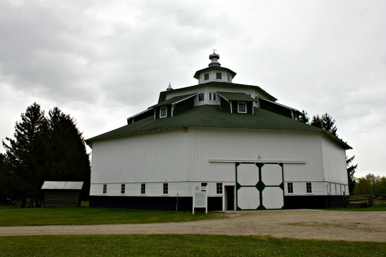The Thumb Octagon Barn