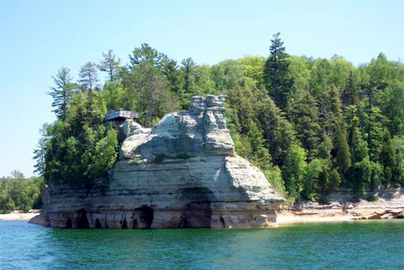 A view of Pictured Rocks.